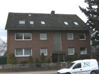 Komplett renovierte 2-Zi.-Dachgeschoß-Mietwohnung direkt am Tibarg
