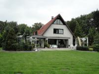 Luxuriöse Doppelhaushälfte (möbliert) mit Parkgrundstück zur Miete  in grüner Lage von Niendorf
