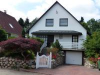 Hochinteressantes Einfamilienhaus mit Traumgarten in bester Lage von Niendorf